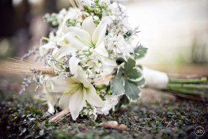 White Bouquet wuth touches of green and lavender